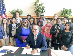 Aki Kurose Middle School and Governor Jay Inslee